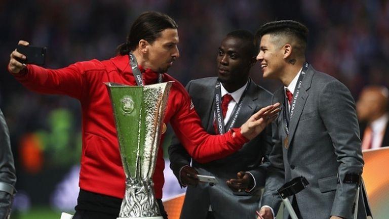 """Лекарите на Юнайтед изумени от възстановяването на Ибра, """"червените дяволи"""" му подготвят договор"""