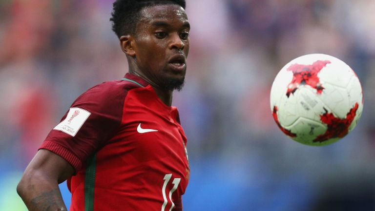 Шефове на Барса са в Лисабон за нов играч