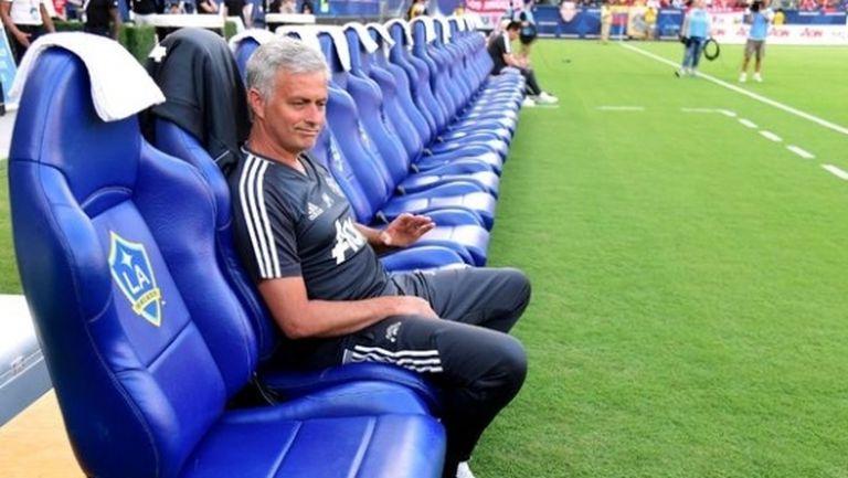 Моуриньо иска да остане 15 години в Ман Юнайтед и да гони успехите на сър Алекс