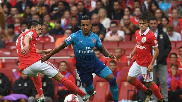 Арсенал вкара пет на Бенфика, фенове псуват Венгер (видео)