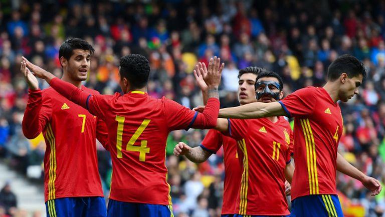 Шампионът Испания впечатли с голова мощ (видео)