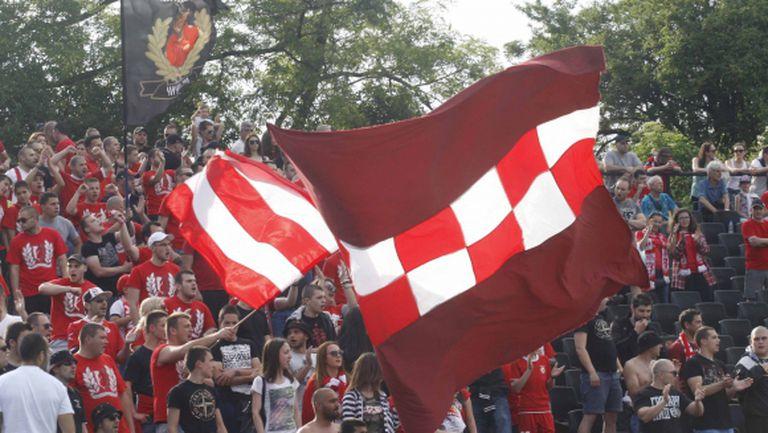 Започна срещата между Гриша Ганчев и феновете на ЦСКА