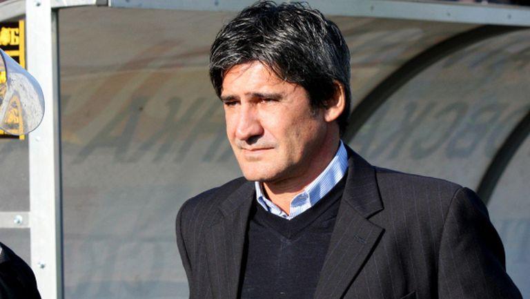 Бразилското трио пристигна в Пловдив, подписва до часове с Ботев