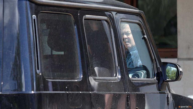 Сираков говори с Мъри, притеснен е за финансовата стабилност на Левски
