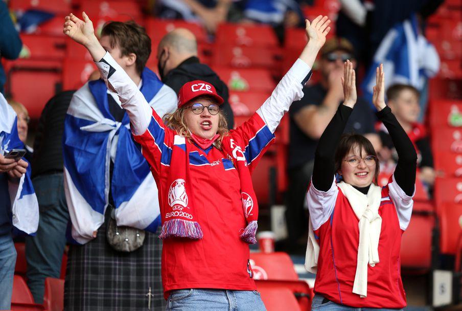 Шотландия - Чехия 0:2