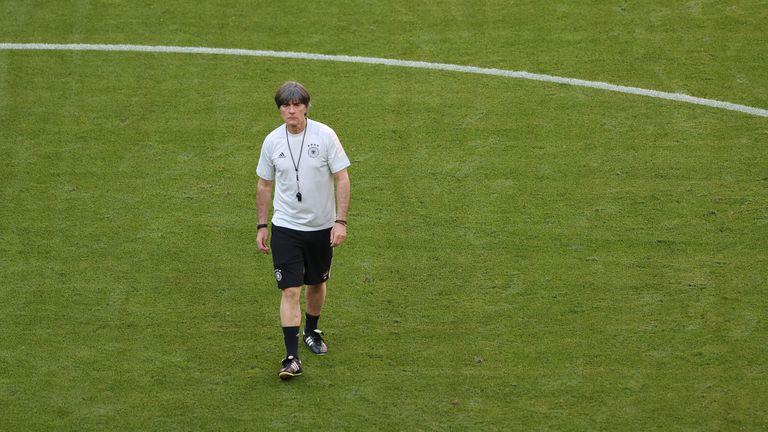 Льов не изключва Горетцка да играе срещу Франция