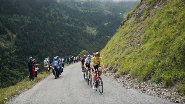 """Тадей Погачар с победа на Кол дю Порте и нова крачка към спечелването на """"Тур дьо Франс"""""""