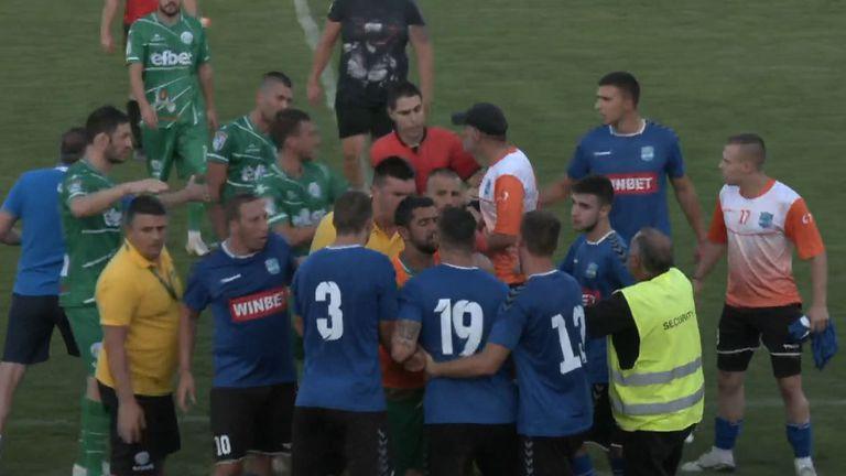 Играчи и треньори се сдърпаха след края на Рилски Спортист - Балкан (Ботевград)