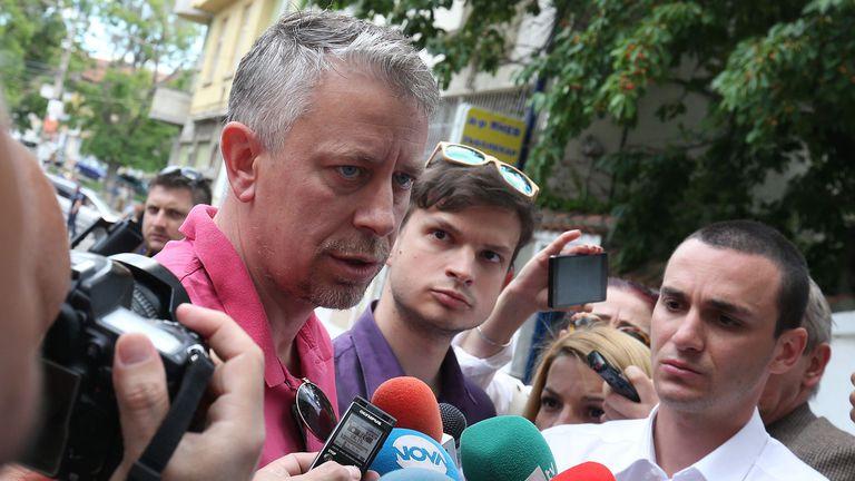 """Бивш шеф на """"Армията"""": Преди Сираков си свали гащите пред синята агитка, сега срещу феновете на всички отбори"""