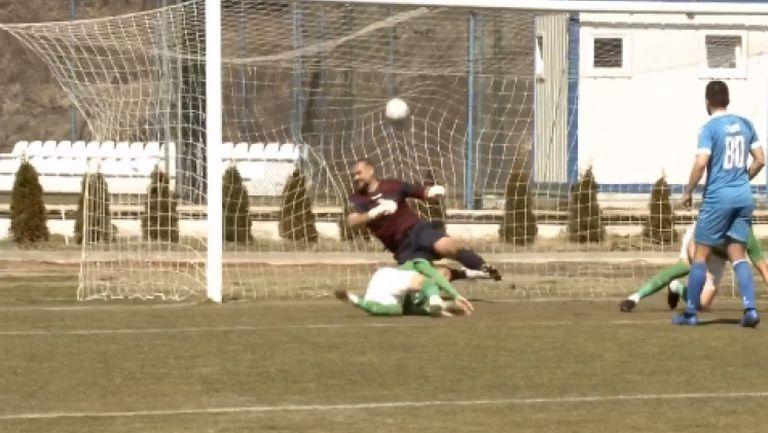 Карачанаков с глава от вратарското поле даде преднина на Пирин срещу Спортист