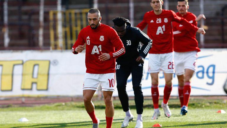 ЦСКА-София излиза за победа срещу Етър без ключови футболисти