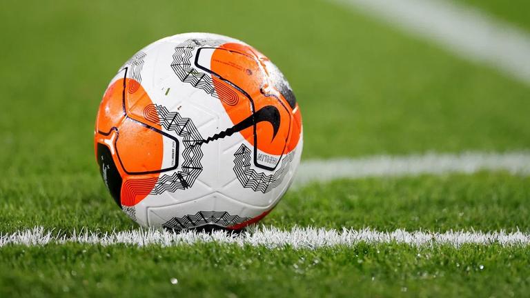 Латвийски отбор се пуска първенството месец след началото му