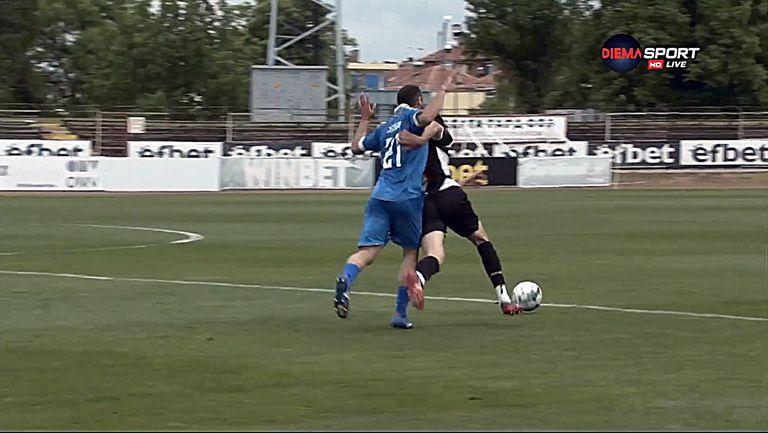 Ивайло Михайлов с червен картон, Спортист Своге вече е с 10 души срещу Локомотив Горна Оряховица