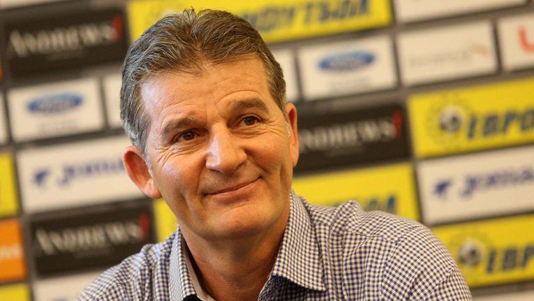 Емо Костадинов: В Байерн достигнах най-високото си ниво
