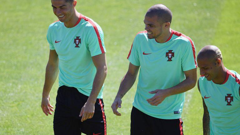 Пепе проведе пълноценна тренировка с тима на Португалия