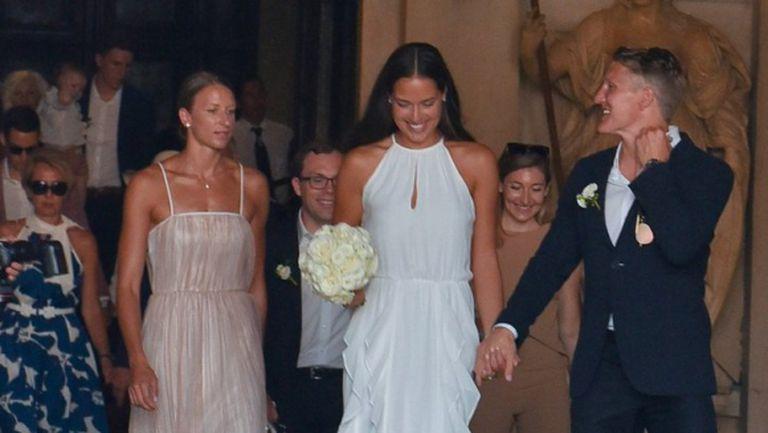 Ана Иванович се омъжи в рокля за 550 лева (СНИМКИ)