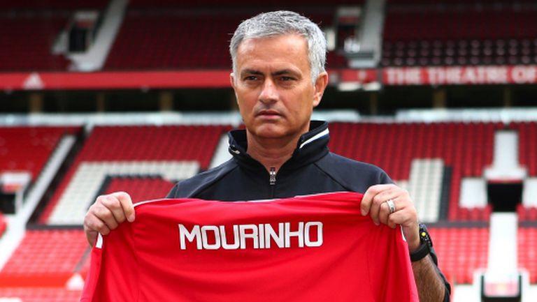 Жозе разкри какво са поискали от него собствениците на Манчестър Юнайтед