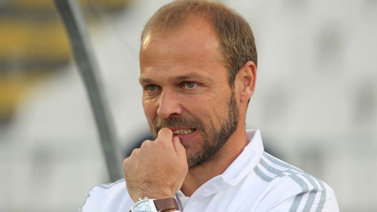 Божинов остана без треньор