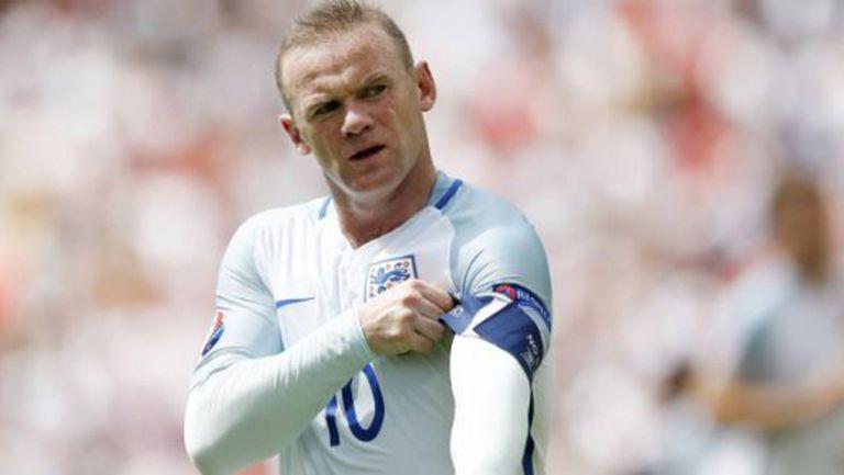Уейн Рууни остава капитан на Англия