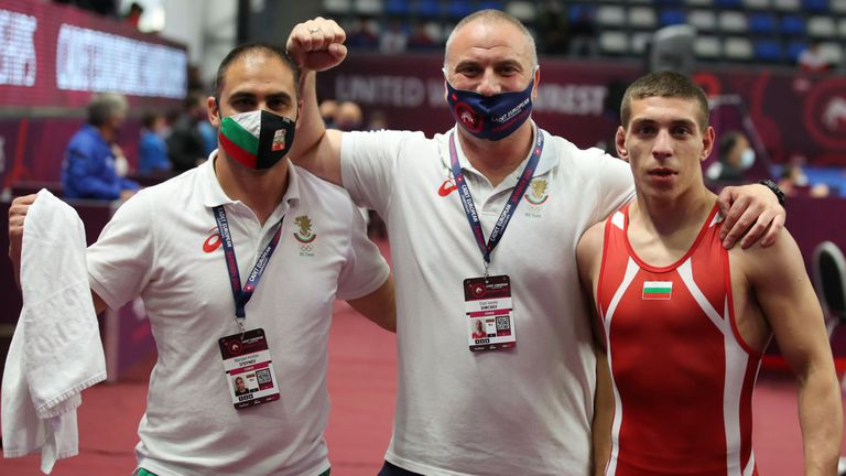 Борците ни с полуфиналист и двама претенденти за бронза на Евро 2021