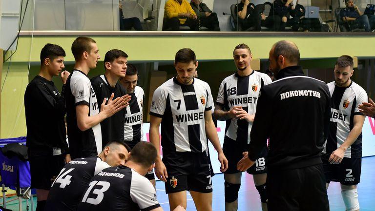 Христо Крушарски се обърна към волейболистите на Локомотив (Пловдив)