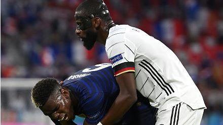 Интересен момент на Франция - Германия: Ухапа ли Рюдигер Погба в края на първата част?