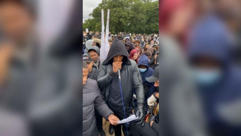 Джошуа се появи контузен на протест срещу расизма