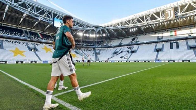 Дибала пее химна на Ливърпул, докато играе FIFA 20