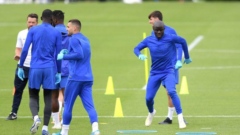 Канте поднови пълноценни тренировки с Челси