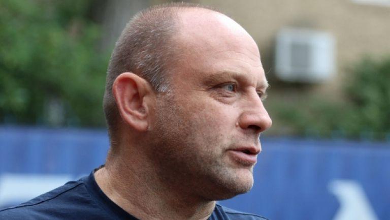 Сираков: 35% от акциите ще притежава Тити Папазов