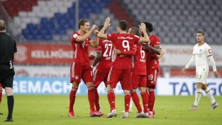46-ят гол през сезона на Левандовски класира Байерн за финала за Купата