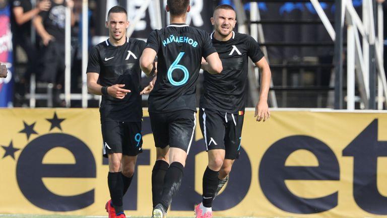 Мартин Петков отбеляза трети гол за Левски в заключителните секунди