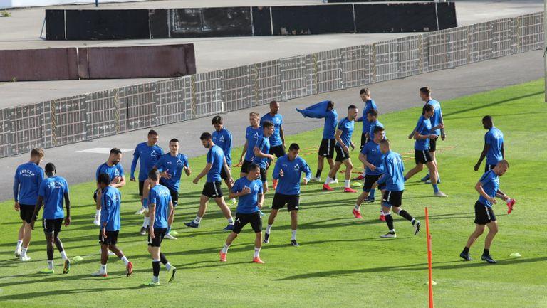 """Без коронавирус в отбора на Левски, """"сините"""" се готвят за реванша срещу """"смърфовете"""""""