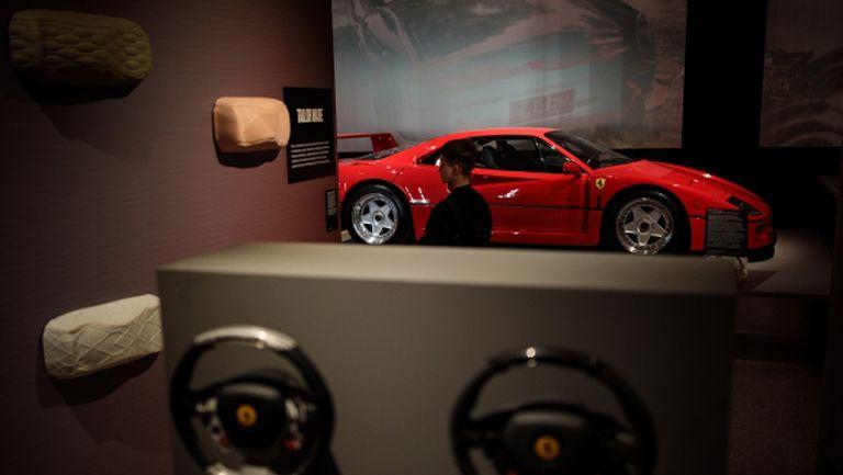 Бивш Ф1 пилот продаде своето Ferrari F40, за да спонсорира сина си