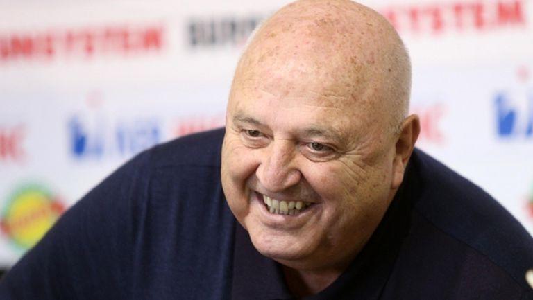 Венци Стефанов: В Левски има всякакви директори - даже и такъв на сламени шапки