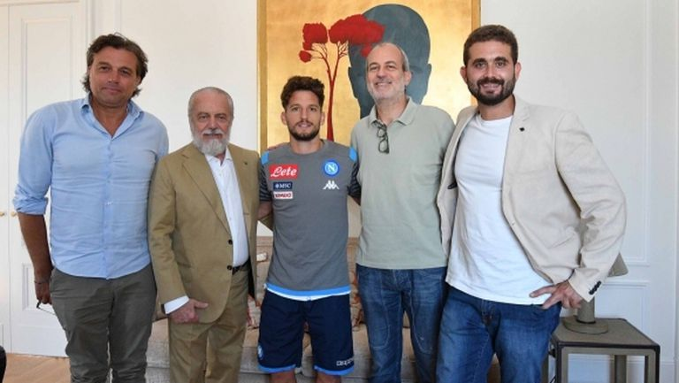 Официално: Наполи задържа своя голмайстор №1 в историята