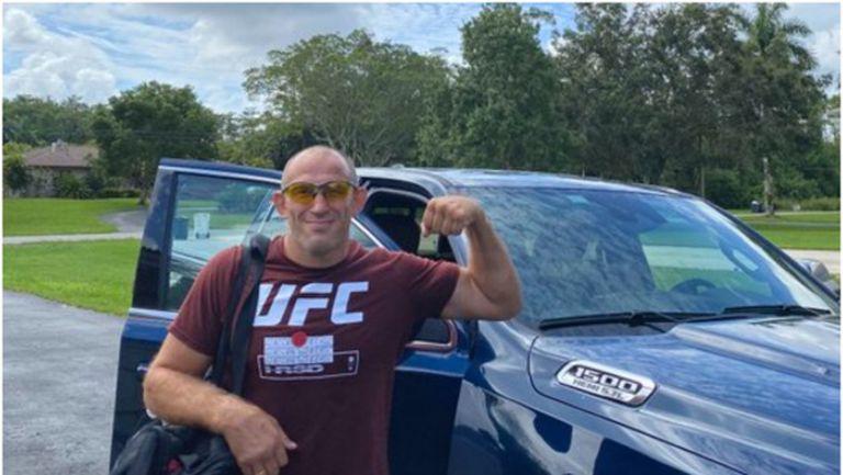Алексей Олейник изпрати писмо в бутилка на UFC