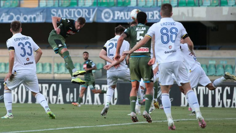 Милик и Лозано носят победа на Наполи срещу Верона