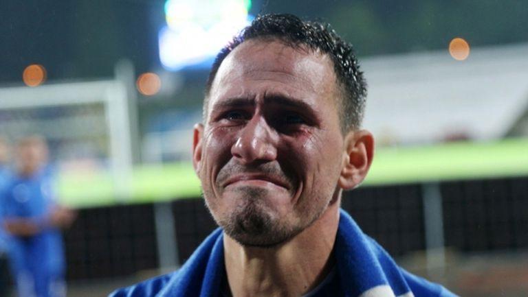 Миланов призна през сълзи за болест, даде съвет на младите и отправи призив към феновете (видео)