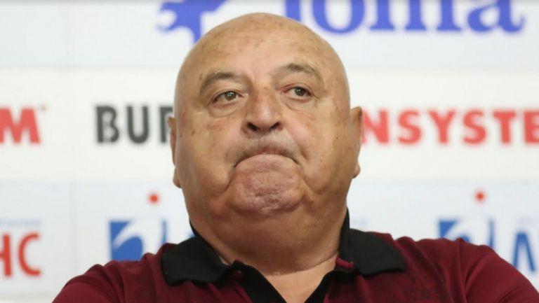 Венци: Левски и ЦСКА като искат пари да си намерят да рекламират тенджери и килими