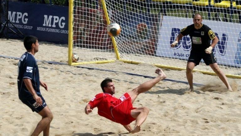 Отлагат старта на шампионата по плажен футбол с две седмици