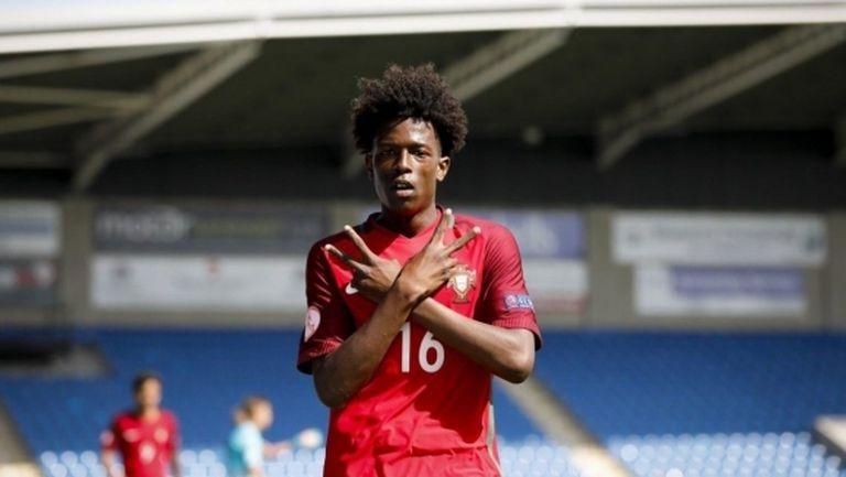 Ювентус ще привлече 19-годишен нападател от Манчестър Сити