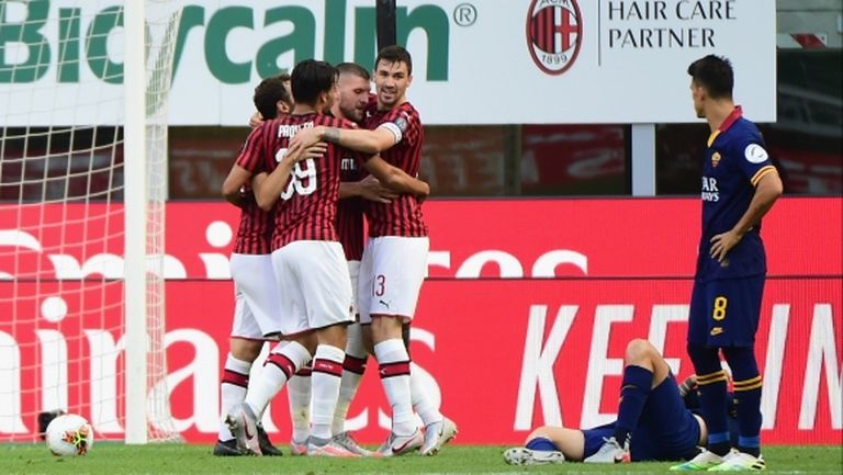 Милан надви Рома с късни голове (видео)