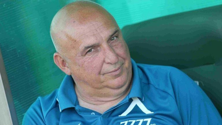 """Треньорът на Левски засипа с похвали """"синята"""" звезда, но обяви: Тепърва ни започват проблемите"""