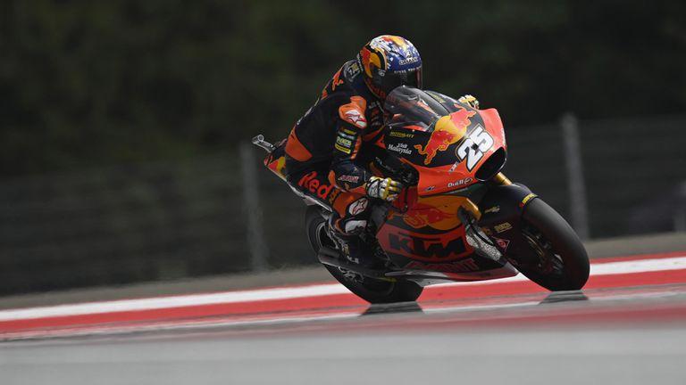 Фернандес стопи аванса на Гарднър в битката за титлата в Moto2 с победа в Австрия