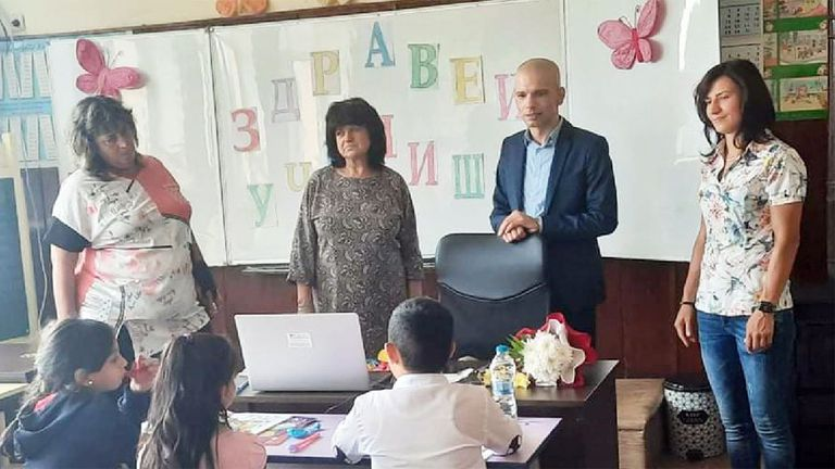 Олимпийската шампионка Стойка Кръстева откри учебната година в село Върбица