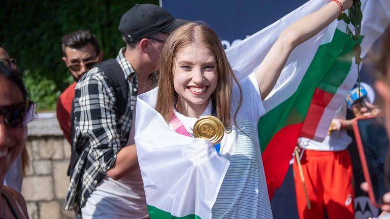 Ерика Зафирова: Мечтая да добавим и световна титла към успехите ни