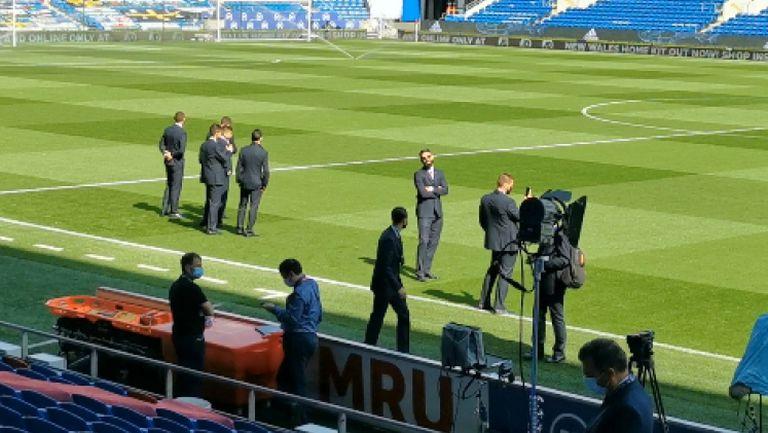 Националите вече са на стадиона в Кардиф
