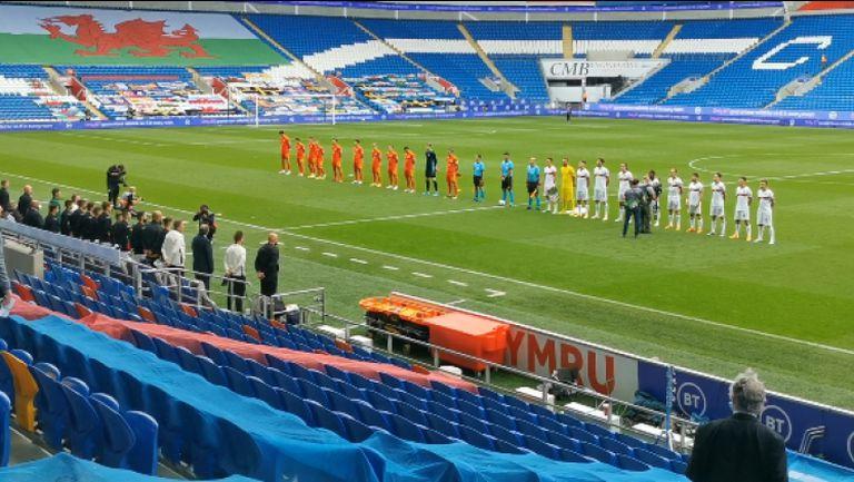Химнът на България преди мача в Кардиф
