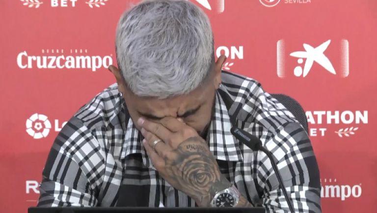 Евер Банега се сбогува през сълзи със Севиля